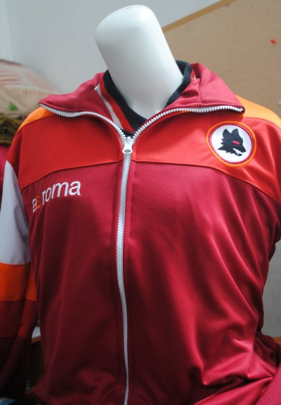 https://bikinkaosbandung.files.wordpress.com/2011/03/jaket2b252822529.jpg?w=409&h=591