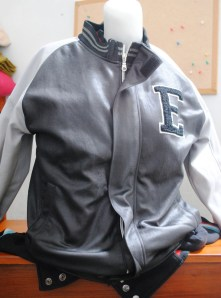 http://bikinkaosbandung.files.wordpress.com/2011/03/jaket2b252842529.jpg?w=222