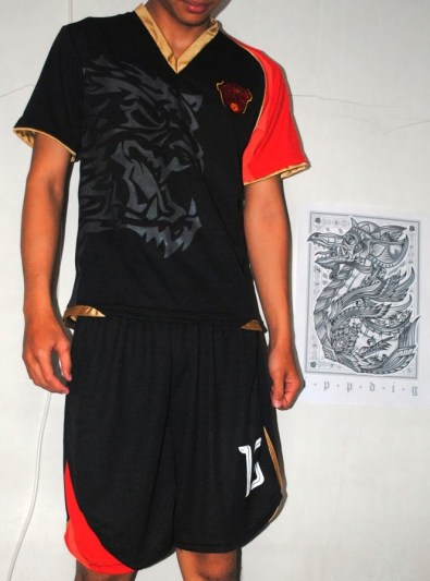 https://bikinkaosbandung.files.wordpress.com/2011/03/jersey2bbengal2bfsrd2bitb2b252812529.jpg?w=222
