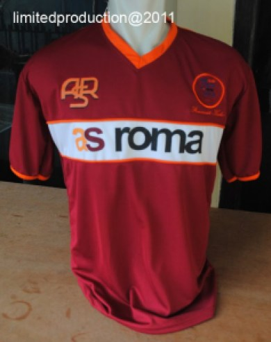 http://bikinkaosbandung.files.wordpress.com/2011/04/as2broma2bjersey.jpg?w=237&resize=390%2C493