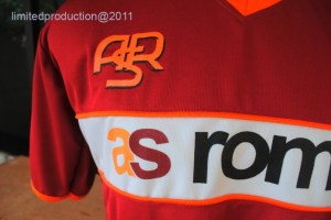 http://bikinkaosbandung.files.wordpress.com/2011/04/as2broma2bjersey2b2528125292bcopy.jpg?w=300