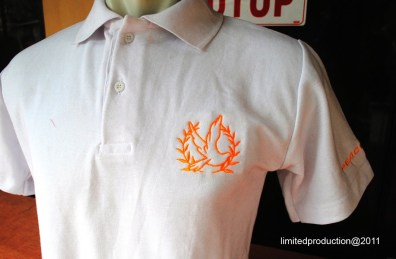 https://bikinkaosbandung.files.wordpress.com/2011/04/poloshirt2bpeacemaker2b252822529.jpg?w=300