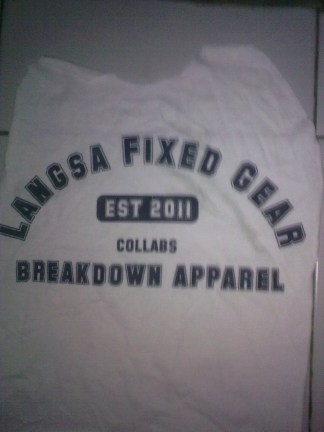 https://bikinkaosbandung.files.wordpress.com/2011/10/desain2bkaos2bfixie2b252822529.jpg?w=225