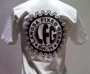http://bikinkaosbandung.files.wordpress.com/2011/10/kaospesananfixie252812529.jpg?w=300