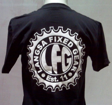 https://bikinkaosbandung.files.wordpress.com/2011/10/kaospesananfixie252842529.jpg?w=300