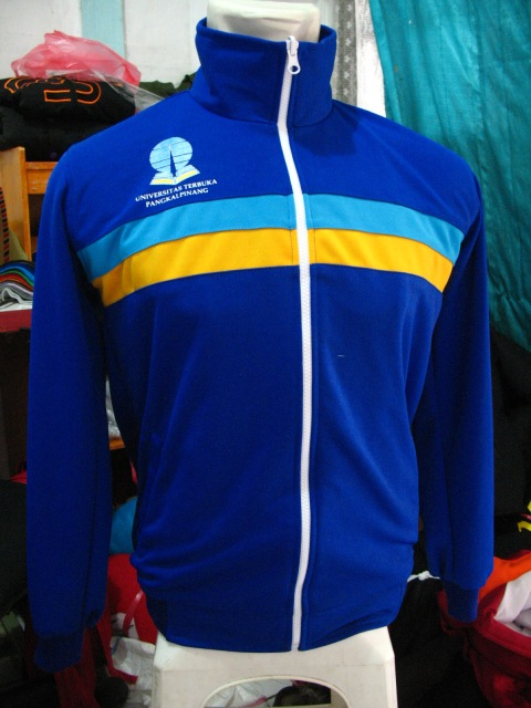 https://bikinkaosbandung.files.wordpress.com/2012/04/konveksikaosjaket281629.jpg?w=225