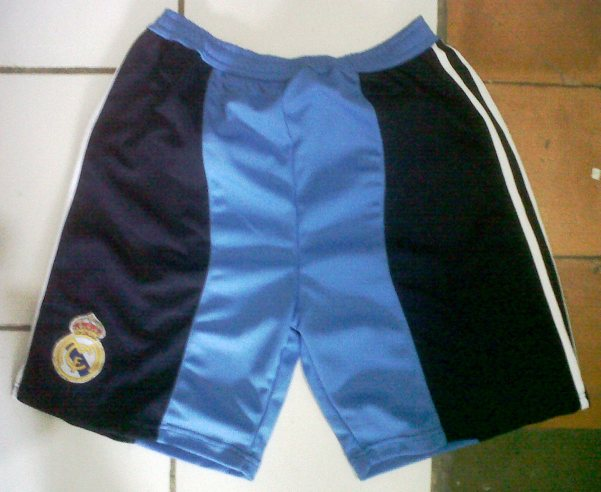 https://bikinkaosbandung.files.wordpress.com/2012/07/jerseyrealmadrid28129.jpg?w=300