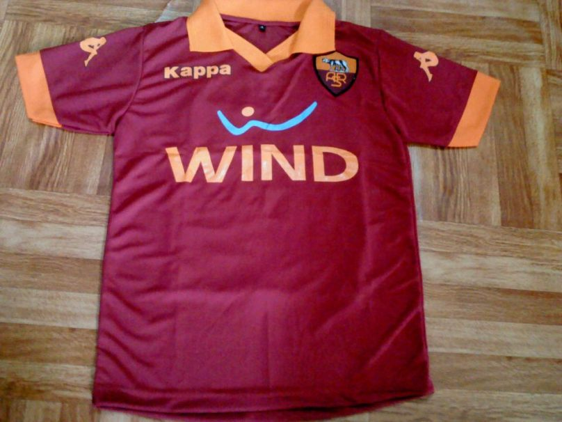 https://bikinkaosbandung.files.wordpress.com/2012/10/asroma.jpg?w=300