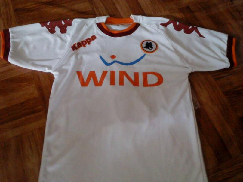 https://bikinkaosbandung.files.wordpress.com/2012/10/asromajersey.jpg?w=300